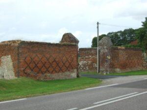 Grainville Mur Briques-Silex Croix